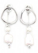 A-F5.5 E318-009 Earrings with Pearls Silver