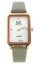 A-C19.1  W523-067 Quartz Watch 28x22mm Green